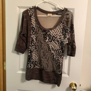 XS daytrip quarter length sleeve lace top
